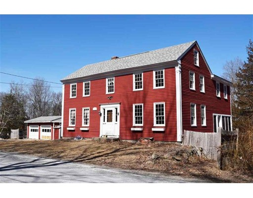 Maison unifamiliale pour l Vente à 77 North Road Kingston, New Hampshire 03848 États-Unis