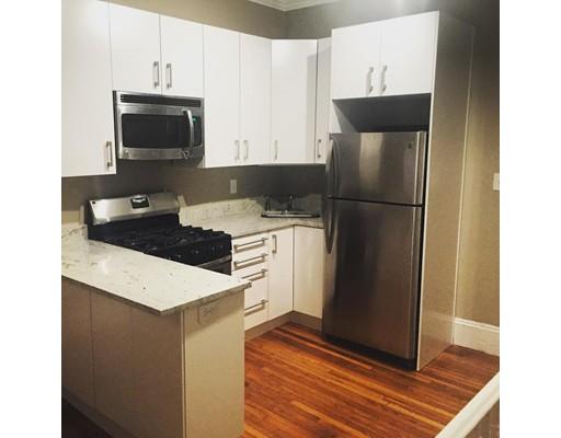 独户住宅 为 出租 在 41 Revere Street 波士顿, 马萨诸塞州 02114 美国