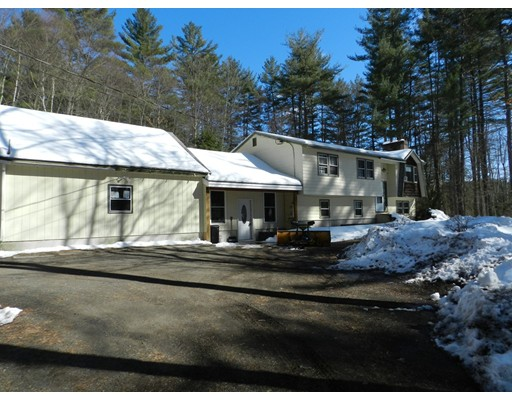 独户住宅 为 销售 在 438 S. Baboosic Lake Road Merrimack, 新罕布什尔州 03054 美国