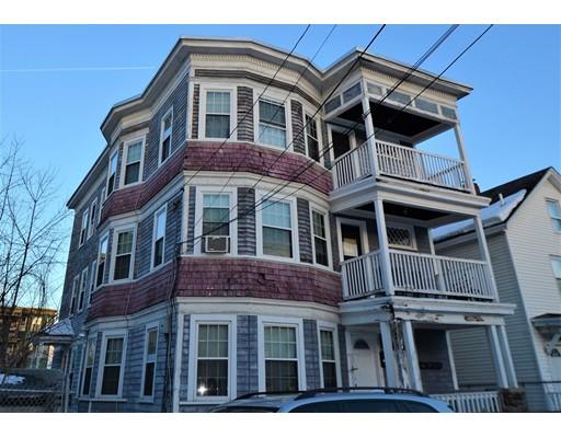 Maison avec plusieurs logements pour l Vente à 207 Walnut Street Lawrence, Massachusetts 01841 États-Unis