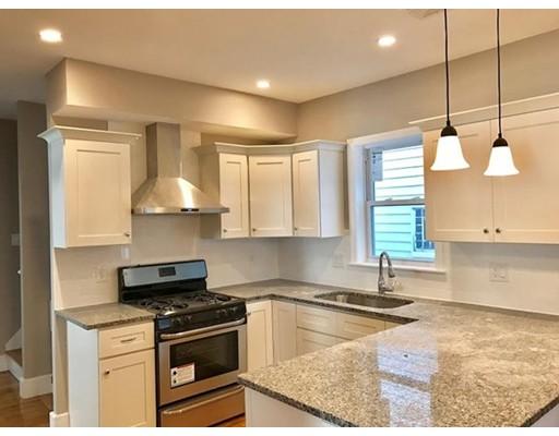 Многосемейный дом для того Продажа на 71 Linwood Street Malden, Массачусетс 02148 Соединенные Штаты