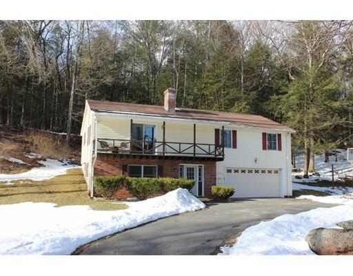 Maison unifamiliale pour l Vente à 198 Bull Hill Road Sunderland, Massachusetts 01375 États-Unis