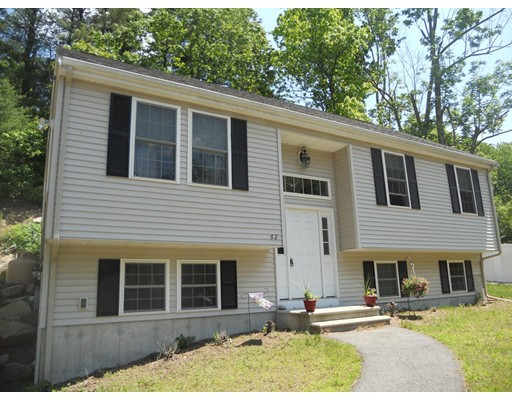 واحد منزل الأسرة للـ Sale في 62 Blackstone Street Blackstone, Massachusetts 01504 United States