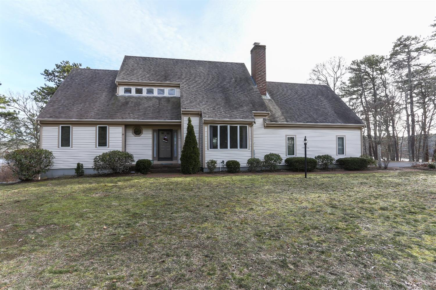59 Blue Water Dr, Barnstable, MA 02632