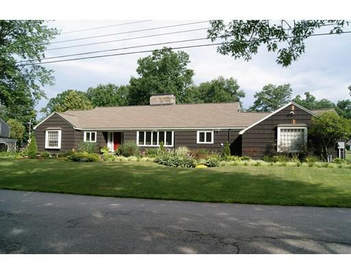 Casa Unifamiliar por un Venta en 19 Ashland Street Nashua, Nueva Hampshire 03064 Estados Unidos