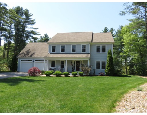 واحد منزل الأسرة للـ Sale في 3 Redtail Lane Carver, Massachusetts 02330 United States
