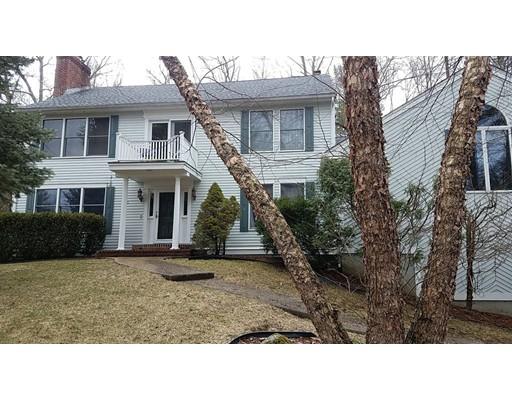 独户住宅 为 销售 在 11 Woodside Circle Sturbridge, 01566 美国