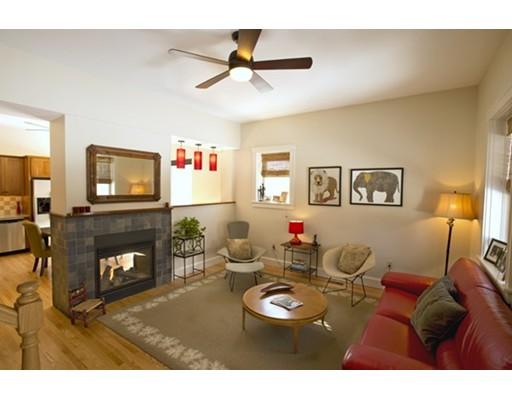 Appartement en copropriété pour l Vente à 32 Round Hill Road Northampton, Massachusetts 01060 États-Unis