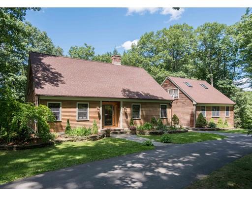 Casa Unifamiliar por un Venta en 88 Montague Road Westhampton, Massachusetts 01027 Estados Unidos