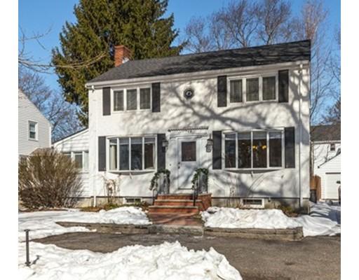 独户住宅 为 销售 在 768 Lynn Fells Pkwy 梅尔罗斯, 马萨诸塞州 02176 美国