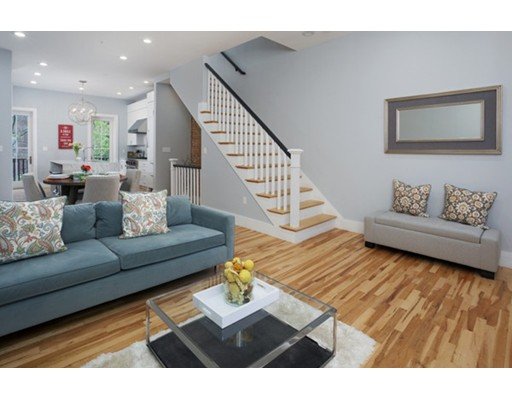 2 Saint Charles St, Boston, MA 02116