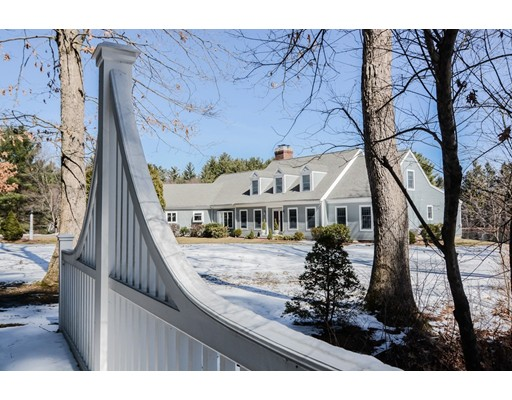 Maison unifamiliale pour l Vente à 24 Grasshopper Lane Acton, Massachusetts 01720 États-Unis