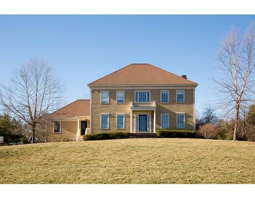 Casa Unifamiliar por un Venta en 22 Spring Hill Road Merrimac, Massachusetts 01860 Estados Unidos