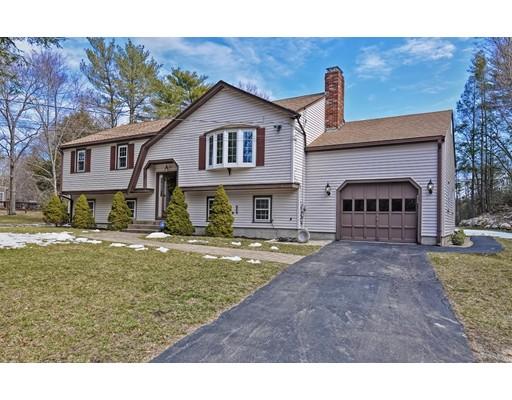 独户住宅 为 销售 在 564 Winter Street Hanson, 02341 美国