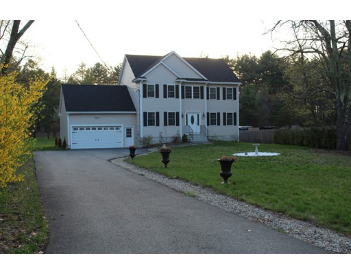 Single Family Home for Sale at 833 Main Street Wilmington, Massachusetts 01887 United States
