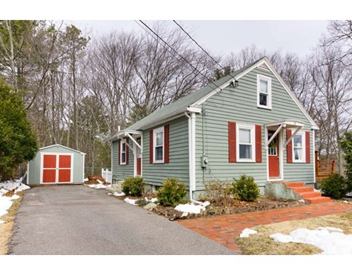 Single Family Home for Sale at 52 Florence Street Franklin, Massachusetts 02038 United States