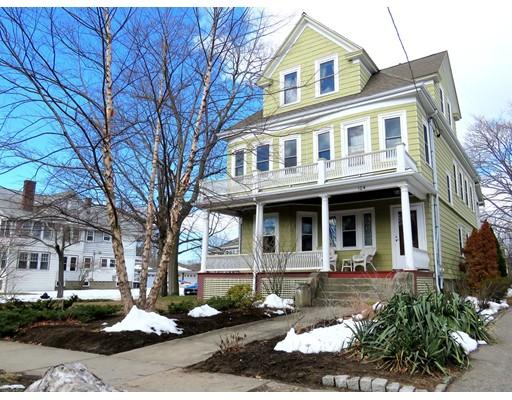 Maison avec plusieurs logements pour l Vente à 104 Medford Street Arlington, Massachusetts 02474 États-Unis