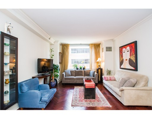 1 Charles St S 703, Boston, MA 02116