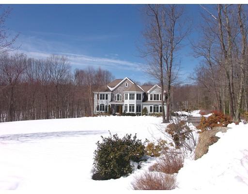 Частный односемейный дом для того Продажа на 14 Wunschel Drive Sutton, Массачусетс 01590 Соединенные Штаты