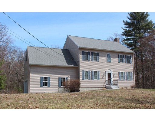 Single Family Home for Sale at 57 Washington Street Mendon, Massachusetts 01756 United States