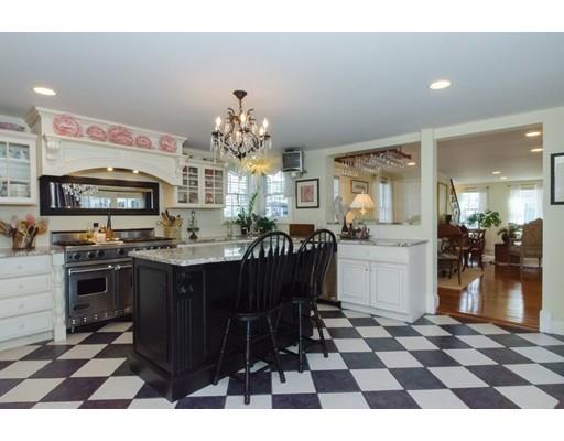 Maison unifamiliale pour l Vente à 7 Water Street Mattapoisett, Massachusetts 02739 États-Unis
