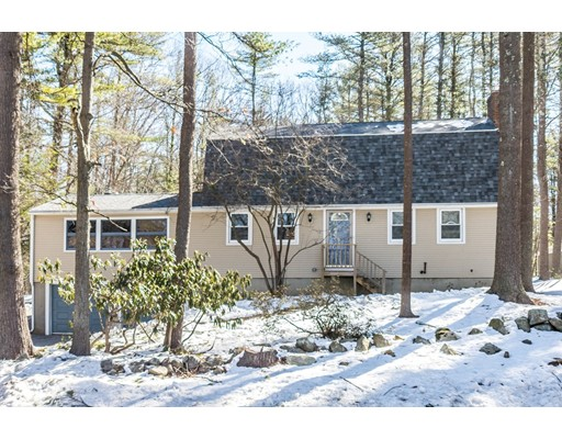 独户住宅 为 销售 在 62 Newbury Road Rowley, 马萨诸塞州 01969 美国
