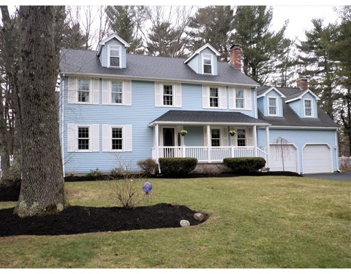 Single Family Home for Sale at 3 Hoover Road Norfolk, Massachusetts 02056 United States