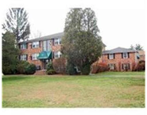 独户住宅 为 出租 在 160 Tyngsboro Road Chelmsford, 马萨诸塞州 01863 美国