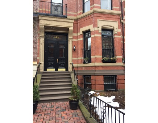 Casa Unifamiliar por un Alquiler en 182 Marlborough Boston, Massachusetts 02116 Estados Unidos