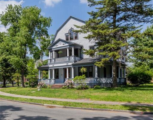 Casa Unifamiliar por un Venta en 183 Dartmouth Ter Springfield, Massachusetts 01109 Estados Unidos