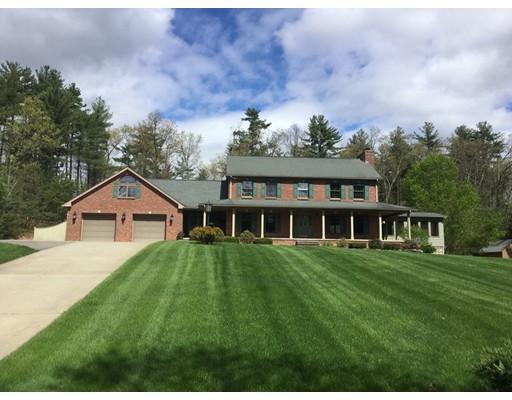Casa Unifamiliar por un Venta en 349 Southampton Road Holyoke, Massachusetts 01040 Estados Unidos