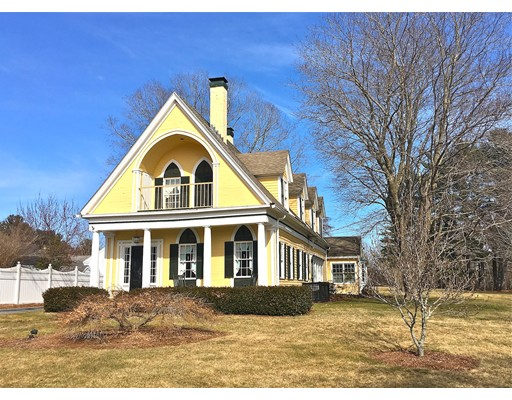 Casa Unifamiliar por un Venta en 272 Main Street Sturbridge, Massachusetts 01566 Estados Unidos