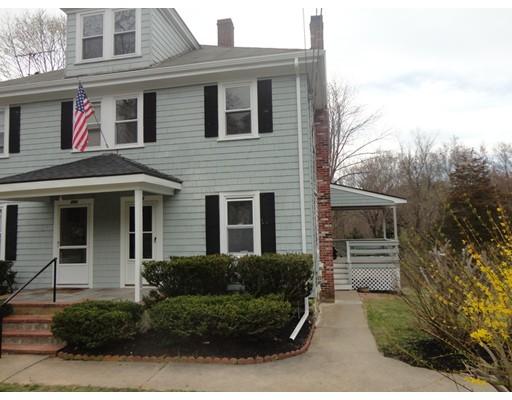 Casa Unifamiliar por un Alquiler en 304 North Street Medfield, Massachusetts 02052 Estados Unidos