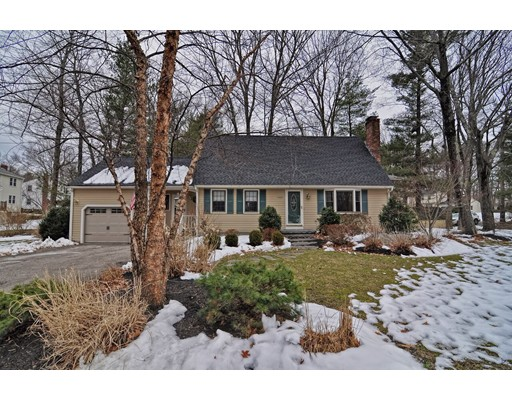 Single Family Home for Sale at 600 Old Farm Road Franklin, Massachusetts 02038 United States