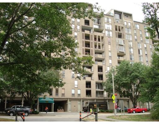 44 Washington St 607, Brookline, MA 02445