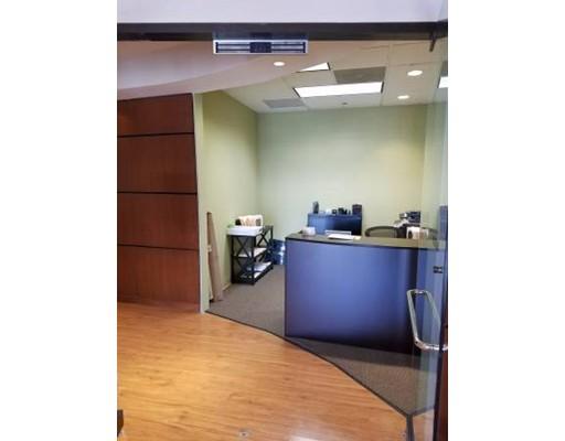 Additional photo for property listing at 10 Speen Street 10 Speen Street Framingham, Massachusetts 01071 États-Unis