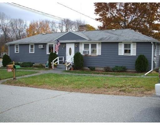 Maison unifamiliale pour l à louer à 3 Genetti Circle Bedford, Massachusetts 01730 États-Unis