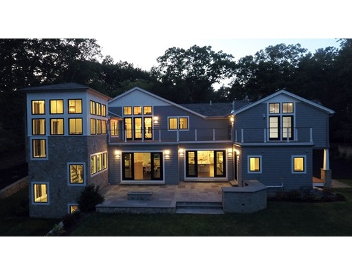 Casa Unifamiliar por un Venta en 4 Dewing Path 4 Dewing Path Wellesley, Massachusetts 02482 Estados Unidos