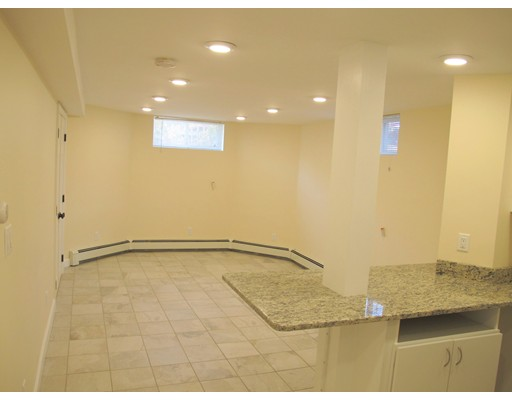 独户住宅 为 出租 在 375 Broadway 坎布里奇, 马萨诸塞州 02139 美国