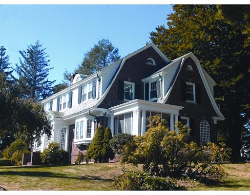 Maison unifamiliale pour l Vente à 206 Main Street Douglas, Massachusetts 01516 États-Unis