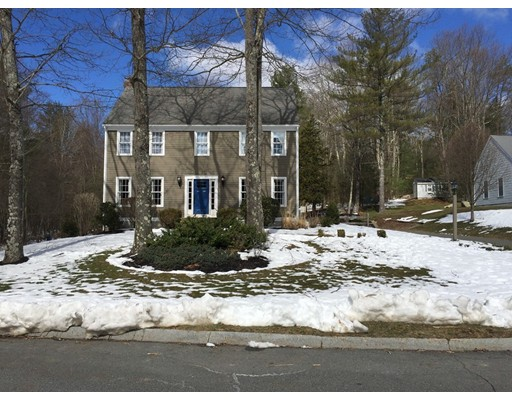Single Family Home for Sale at 9 Fawn Lane Franklin, Massachusetts 02038 United States