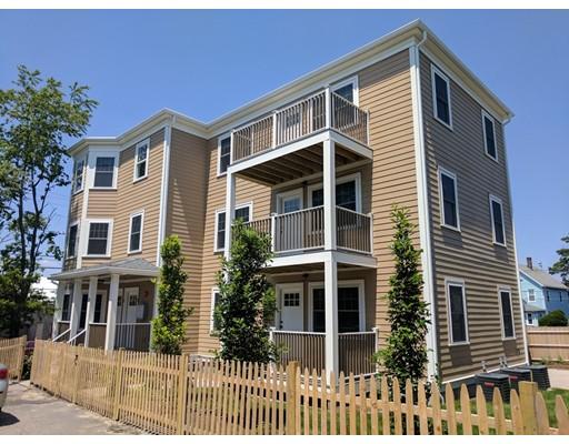 Additional photo for property listing at 11 Roberts Street  Somerville, Massachusetts 02145 Estados Unidos