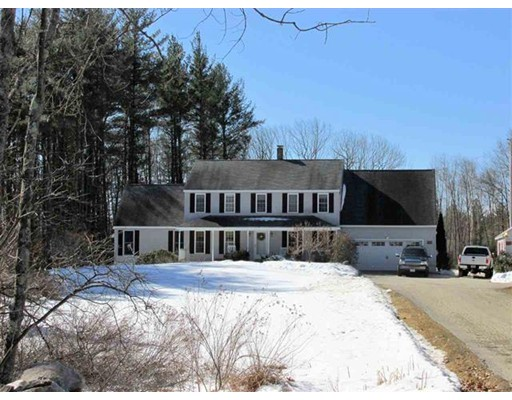 Single Family Home for Sale at 704 North Road Candia, New Hampshire 03034 United States