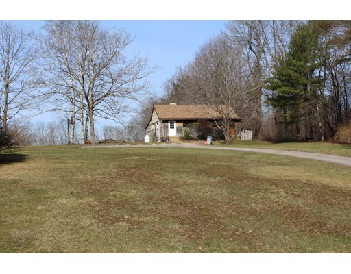 1090 Wauwinet Road, Barre, MA 01005