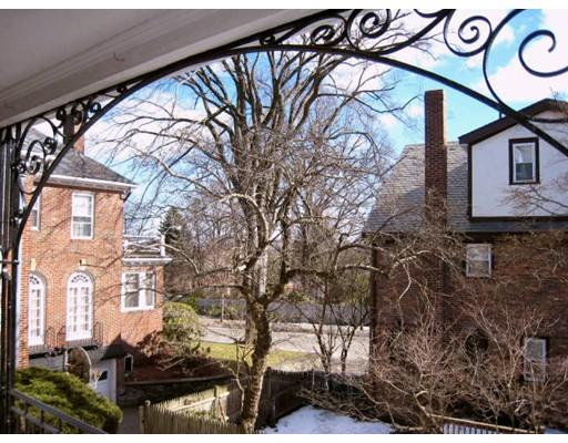 Частный односемейный дом для того Аренда на 52 Rawson Road 52 Rawson Road Brookline, Массачусетс 02445 Соединенные Штаты