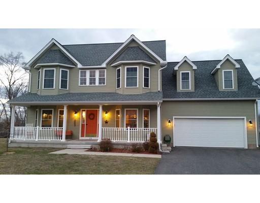 Maison unifamiliale pour l Vente à 23 Bellawood Drive Enfield, Connecticut 06082 États-Unis