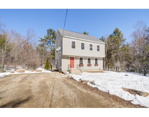 Single Family Home for Sale at 97 Webber Road Brookfield, Massachusetts 01506 United States