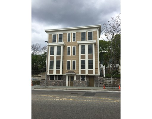 Casa Unifamiliar por un Alquiler en 2747 Washington Street Boston, Massachusetts 02119 Estados Unidos