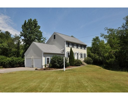 35 Cranberry St, Pepperell, MA 01463