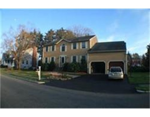 独户住宅 为 出租 在 66 Fairchild Drive Reading, 马萨诸塞州 01867 美国